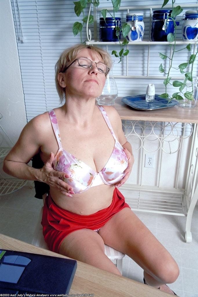 picsmaster net gallery olderwomen 09d925 05