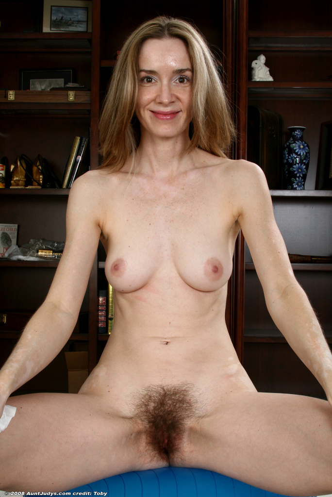 Mature nude women models opinion
